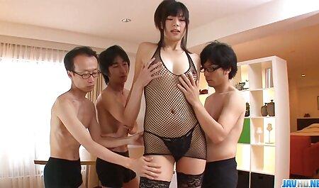 کوبیدن آن نمایش ویدیو سکس را با دو را cocks سخت مکیدن یکی