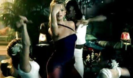 Nici موزیک ویدیو سکسی خارجی استرلینگ میخ شده توسط شومینه