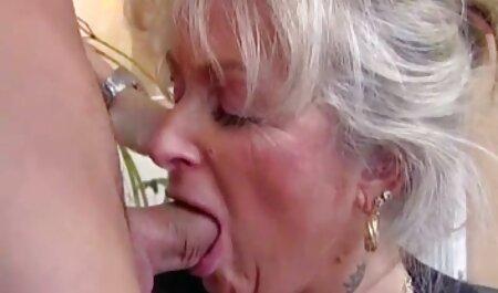 داغ مادر دوست داشتنی برای گائیدن, سیکس ویدو مادر دوست داشتنی fucks در دیک نوجوان