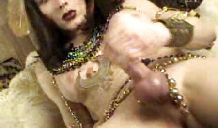 Katt گارسیا ویدیو سکسی می شود غنیمت او خیس!