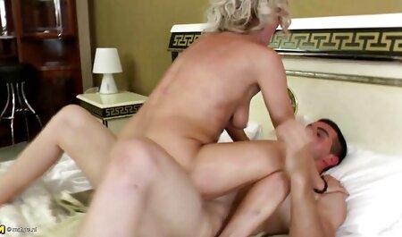 آسیایی, دخترک معصوم, بمکد و بازی می کند با مهبل (واژن سایت سکس ویدیو